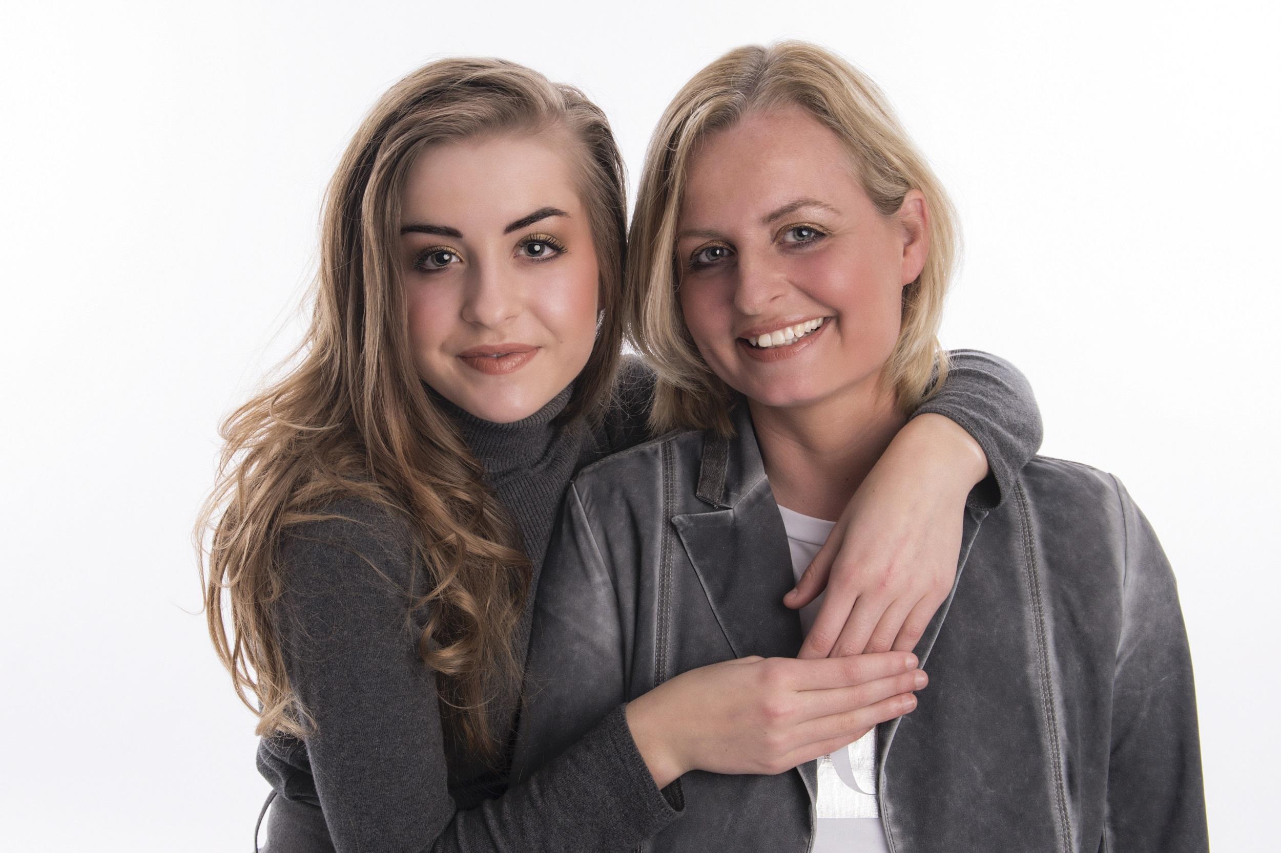 Vriendinnen Emily en Yvonne